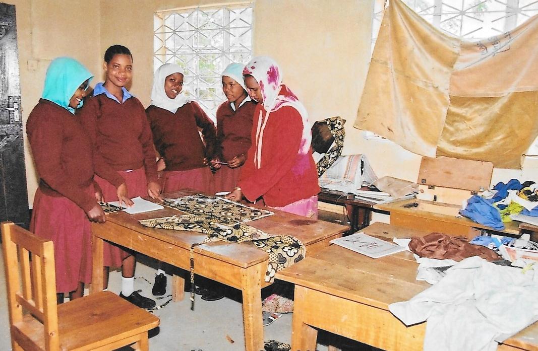 Hilfswerk Bassotu - Katesh Handwerkerschule Schneiderei