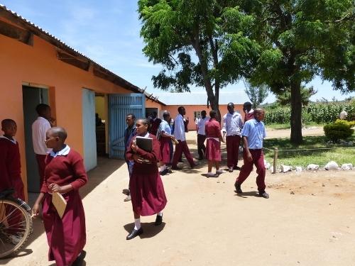 Hilfswerk Bassotu - Katesh Handwerkerschule