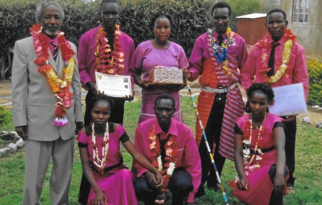 Hilfswerk Bassotu - Katesh Handwerkerschule Diplomfeier